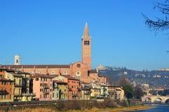 Zadziwiający widok Verona miasto Adige i rzeka, Włochy Obrazy Royalty Free