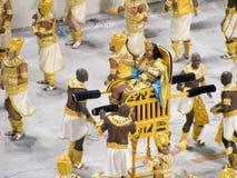Zadziwiający wielkie widowisko podczas rocznego karnawału w Rio De Janeiro zdjęcie stock