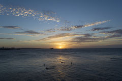Zadziwiający zmierzch przeglądać od morza Obrazy Stock