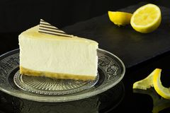 Zadziwiający cytryny Cheesecake zdjęcie royalty free