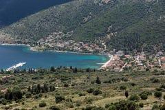 Zadziwiający krajobraz Agia Effimia miasteczko, Kefalonia, Grecja Zdjęcia Royalty Free