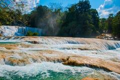 Zadziwiający krajobraz z siklawy Agua Azul, Chiapas, Palenque, Meksyk Obraz Royalty Free