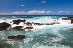 Zadziwiający widok na falistym morzu Zdjęcia Stock