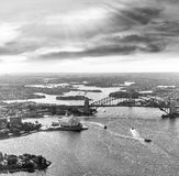 Zadziwiający widok z lotu ptaka Sydney schronienie przy zmierzchem Zdjęcia Stock