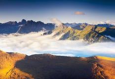Zadziwiający zmierzch w górach Zdjęcia Royalty Free