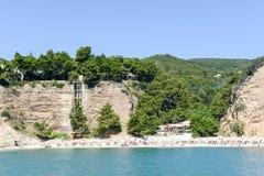 Zagare-Bucht auf der Küste Nationalparks Gargano auf Puglia Lizenzfreies Stockfoto