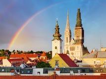 Zagreb, catedral en Croacia imagen de archivo