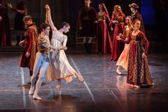 ZAGREB, CROÁCIA - 15 de fevereiro 2018 Romeo e Juliet Ballet perto imagens de stock royalty free