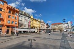 ZAGREB, CROACIA - 29 DE JULIO DE 2016: Cuadrado central de la ciudad fotografía de archivo libre de regalías