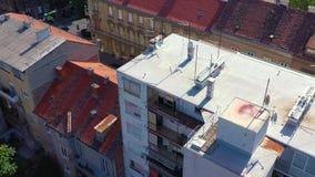 Zagreb, Croacia - mayo de 2019: Tiro del abejón de la visión aérea de la ciudad de Zagreb desde arriba almacen de video
