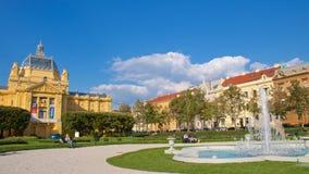 Zagreb, Croacia - octubre de 2017; La gente que se relaja en Lendeni parquea en Zagreb, Croacia Imagenes de archivo