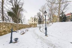 ZAGREB, CROATIE - février 2018 le parc de Grich à Zagreb a couvert de neige blanche photo stock