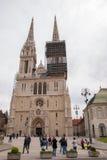 Zagreb domkyrka med ärkebiskops slott Royaltyfria Bilder