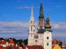 Zagreb domkyrka och kyrka för St. Marys Royaltyfri Fotografi
