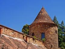 Zagreb domkyrkatorn och vägg Arkivbild