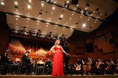 Elina Garanca hield een overleg in de Concertzaal Lisinski. royalty-vrije stock afbeeldingen