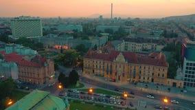 Zagreb Kroatien - Maj, 2019: Surrskott för flyg- sikt av den Zagreb staden från över lager videofilmer