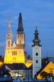 Zagreb por noche foto de archivo libre de regalías