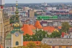 Zagreb rooftips en kerktoren Royalty-vrije Stock Foto