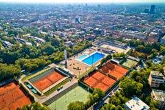 Zagreb Salata hilla y opinión aérea del centro de ciudad imagenes de archivo
