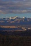 Zagreb till Tibet berget för morgonsolsnö Royaltyfri Bild