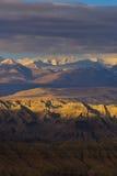 Zagreb till Tibet berget för morgonsolsnö Arkivbilder