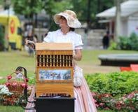 Zagreb-Touristenattraktion/Organ-Schleifer Lady Lizenzfreie Stockfotos