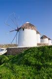 Zahl der Windmühlen auf einem Abhang Stockfotos