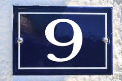 Zahl des Hauses in der blauen Farbe Stockbild