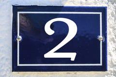 Zahl des Hauses in der blauen Farbe Stockfotos