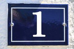 Zahl des Hauses in der blauen Farbe Stockbilder