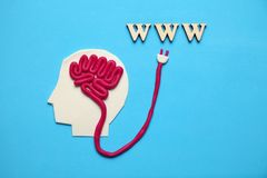 Zahl des Mannes und des Internets WWW Schnellzugriff zum Wissen und zu den Informationen stockbilder