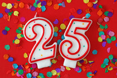 Zahl fünfundzwanzig-Geburtstag-Kerze lizenzfreies stockbild