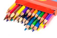 Zahl von farbigen Bleistiften in einem Kasten lokalisiert auf weißem Hintergrund Stockfoto