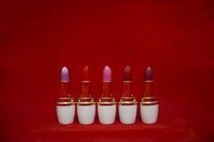 Zahl von Lippenstiften stockfotos