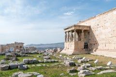 Zahlen des Karyatide-Portals auf der Akropolise stockfoto