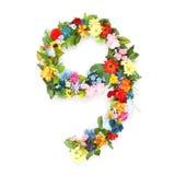 Zahlen gemacht von den Blättern u. von den Blumen Stockfotografie