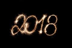 2018 - Zahlen geschrieben durch Wunderkerzelichter Lizenzfreies Stockfoto