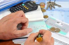 Zahlen Sie Ihre französische Haussteuer stockfotos