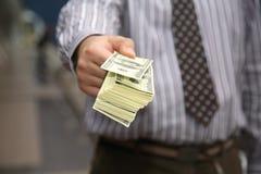 Zahlung des Bargeldes lizenzfreie stockfotografie