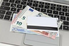 Zahlung im Internet Lizenzfreie Stockfotos