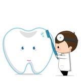 Zahnarzt, der ein Zeichen hält Lizenzfreie Stockfotografie