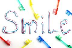 Zahnbürsten und Zahnpasta Stockbilder