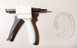 Zahnheilkunde, zahnmedizinische Werkzeuge, Medizin stockbild