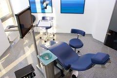 Zahnmedizinische blaue Stuhlausrüstungstechnologie 2 Lizenzfreies Stockfoto