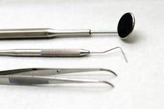 Zahnmedizinische Hilfsmittel Stockbild