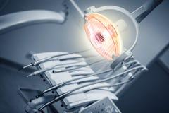 Zahnmedizinische Hilfsmittel Stockfotos
