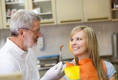 Zahnmedizinischer Besuch Lizenzfreie Stockfotografie