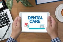 Zahnmedizinisches Firmenzeichen Klinik des ZAHNPFLEGEN, Zahnpflegesymbole Lizenzfreie Stockfotografie