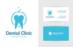 Zahnmedizinisches Kliniklogo mit dem Zahn Lizenzfreie Stockfotografie